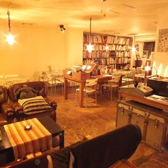 トレジャーリバーブックカフェ TREASURE RIVER book cafeの雰囲気1