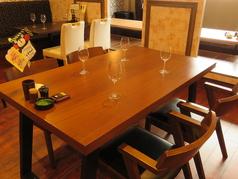 テーブル席は仲間同士の飲み会などにもどうぞ!