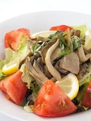 料理メニュー写真きのこのサラダ