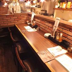 【カウンター】バーのようなシックでお洒落なカウンター席はデートにも人気です♪
