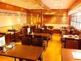 梅田にお越しの際は、ぜひお立ち寄りください!大阪名物の串カツに秘伝のソースを絡めてサクッとお召し上がりください◎軽い口当たりでどんどん進みます!