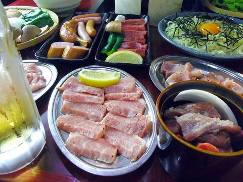 道内地産のこだわり食材と上川・空知の地養豚の塩ホルモンが食べられるお店。