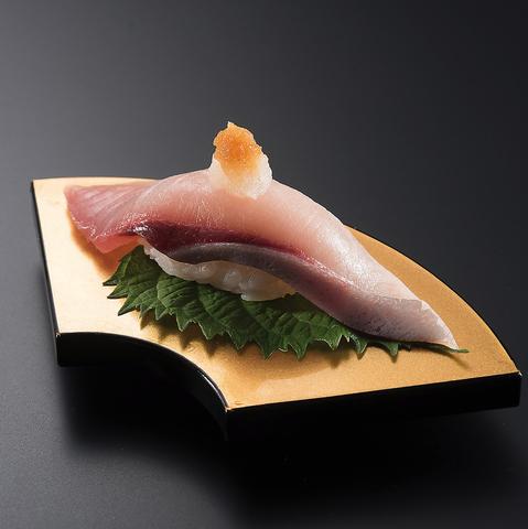 瀬戸内海や北海道などから厳選した旬の鮮魚を仕入れ高コスパ価格で提供