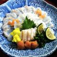 九州から独自に直送で仕入れた新鮮な鮮魚。一品一品が美しい芸術品のような料理となっております。