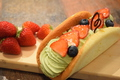 料理メニュー写真ストロベリー&ピスタチオのオムレット