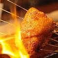 究極の味「比内地鶏」…比内地鶏にこだわり!焼き専門の「焼方人」が焼き上げる、究極の焼き鳥は一度は食べておきたい逸品です。