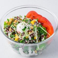ひねぽんと大根おろしのさっぱりポン酢サラダ/カリカリベーコンとざく切トマトのシーザーサラダ