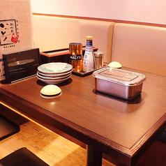 会社帰りのちょい飲みやお一人様でもお気軽にお立ち寄りいただけます。串カツや鉄板料理に合うお酒も多数取り揃えております。