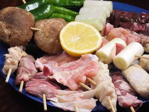 新鮮なお肉の串焼きはもちろん、煮物や茶漬けなど家庭料理を振る舞います!