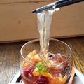料理メニュー写真【和と洋のコラボスイーツ★】くずきりと紅茶蜜のポンチ仕立て