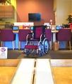 本格寿司カウンター【木曾ヒノキ無垢材使用】※車いすの方もご利用可能です