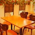 開放的なテーブル席は、最大12名様までご利用いただけます。本場スペインの街中のテラスのような、異国情緒あふれたお席となっております。女子会やパーティーにぜひご利用ください!