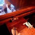 迫力オープンキッチンを上から覗ける特等席