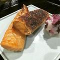 料理メニュー写真鮭ハラス 蕎麦のかえし漬け