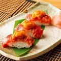 料理メニュー写真馬カルビと雲丹のお寿司(1貫)