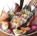 お一人様5000円以上の慶祝会席を5名様以上で予約するとと主賓のお客様に豪華な祝鯛をプレゼントしております。お気軽にご相談ください。