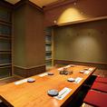 こちらはまた雰囲気の違った中人数様向けの個室です。ナチュラルな雰囲気が一層お料理を引き立てます!食材だけでなく内装にもこだわっておりますので、是非お越しください☆