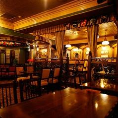 当店のメインダイニング☆30名様~38名様までの団体様でのご利用も可能です。個室ではございませんが、他のお客様の席はありませんので周りを気にせずにお食事や宴会をお楽しみいただけます。オリジナルクラフトビールによく合う「フィッシュ&チップス」などPUBならではのおつまみもございます。是非ご賞味ください♪