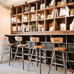 店内には高速Wi-Fi・充電源を完備。仕事に集中したい時や、打ち合わせにも気軽にご利用頂ける環境となっています♪カフェ利用としてのご来店もお待ちしております。