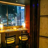 新宿の夜景が見下ろせるオシャレシート♪新宿での飲み会をオシャレな時間にしたいのであればこちらの席がオススメです♪新宿の夜景を眺めることの出来るこちらのお席は、大人気のテラス席となっています!先着1組様限定となっておりますので、お早めのご予約をオススメ致します♪