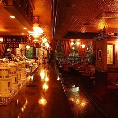 2名様~最大30名様まで対応可能なメインフロアです。イングリッシュ調のシックな雰囲気のおしゃれな店内で宴会・お食事会をお楽しみください♪