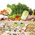 ★厳選牛・イタリア豚食べ放題コース 2980円(税抜)★お肉はドルチェポルコ・豚カルビ/肩ロース・桜姫・鶏しゃぶの6種類が食べ放題。すべてのお料理をテーブルへお持ちします。