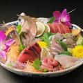 料理メニュー写真獲れたて鮮魚のお造り5点