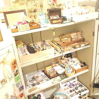 やすんばカフェには小さな雑貨屋さんもあります…☆