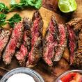 料理長が自信をもって目利きし厳選したお肉は他では味わえない逸品。柔らかな肉質と溢れ出る肉汁、口の中に広がる旨味に思はず笑みがこぼれるほど◎ゆったり寛げる至福のお時間をお過ごしください。シェフ自慢の自家製ローストビーフとを楽しむご宴会プラン♪柔らかいローストビーフとワインの相性は抜群です!
