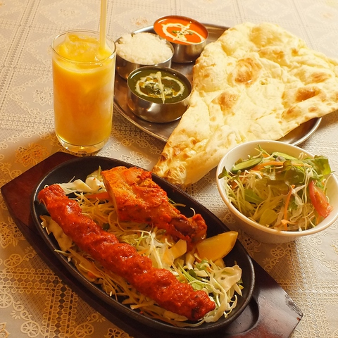 本場インドの味覚を堪能!スパイシーで絶品な料理を楽しめる、『ジャスミンホット』。
