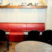 ゆったりお寛ぎ頂ける広々テーブル席