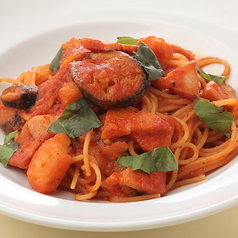 料理メニュー写真茄子とベーコンのトマトソーススパゲッティ