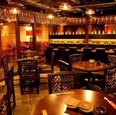 【ホール席】開放感のある広々としたホールのお席は円卓、テーブル席の両方がございます。お使いのシーンに合わせてお選びください。お料理を囲んで食べる円卓席は、中華料理のお店では人気のお席です♪