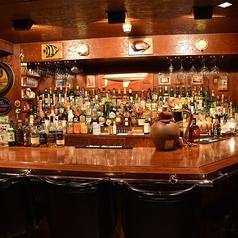お酒の並び方は、オーナー様が決めた方式に基づいて、おいています★お酒について、ぜひ質問してみてください♪