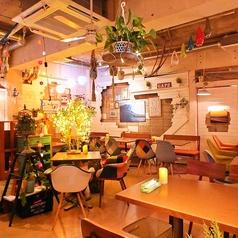 リゾットカフェ 東京基地 離 スペイン坂店の雰囲気1