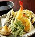 料理メニュー写真海老野菜天ぷら盛