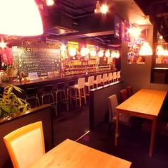 団体様大歓迎!!大人数が座れるテーブル席ご用意しております!!会社での宴会や飲み会は沖縄で実施しませんか?非日常で盛り上がること間違いなし!!