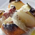 料理メニュー写真淡路島の完熟玉ねぎまるごとオーブン焼き~生ハムとグリュイエールチーズで~