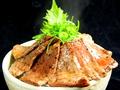 料理メニュー写真炙りトロ丼