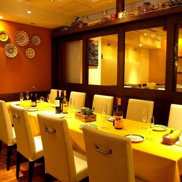 イタリア食堂 ミラネーゼ 池袋店の雰囲気1