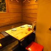 3名様用のテーブル席もご用意◎気の合う仲間とゆったりお食事をお楽しみ下さい♪