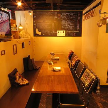 ワインバル ラフ Rough 渋谷店の雰囲気1