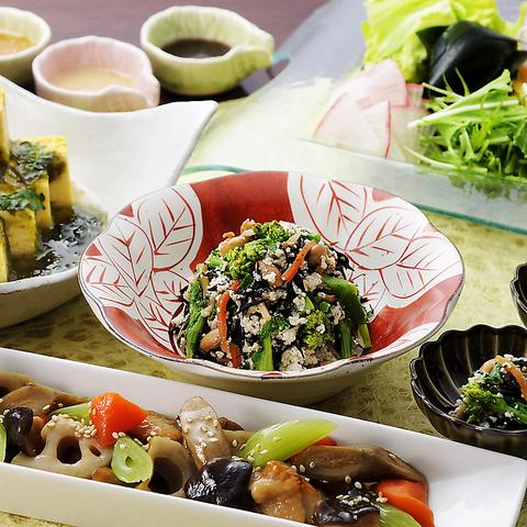 種類豊富な和食とデザートがブッフェで楽しめる♪平日ランチ1380円(税抜)~☆