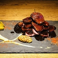 料理メニュー写真北海道産牛芯ロース ローストビーフ (ホースラディッシュとグレイビーソース)