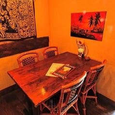 .大人気個室になります♪2名様~こちらの個室のお席はご利用頂けます♪また、デートや記念日にはオススメです♪個室でいつもより贅沢で楽しいお時間をお楽しみ下さい♪また、お肉やチーズ等のお料理やワイン等も豊富にご用意しておりますので、是非大切な方とお過ごし下さい♪