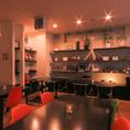 【#ディナー #ビストロ】BLANK SPACEのディナーは昼の雰囲気と変わり、温かみのある照明でお楽しみいただけます。