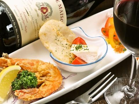 お昼は洋食屋、午後はカフェ、夜は本格的洋食コース料理…一日中おくつろぎ頂けます♪