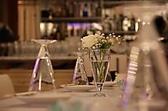 お客様のパーティ、宴会に合わせてテーブルセッティング致します