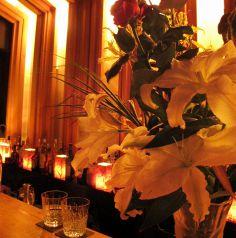 エルブドカンパーニュの生花を飾ってます。