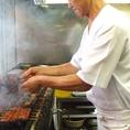 うなぎ専属職人が最高級紀州産備長炭で焼き上げる蒲焼。朝仕入れたうなぎを捌き老舗こそのうなぎの蒲焼をご堪能いただけます。
